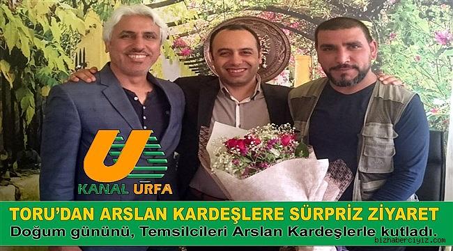 TORU'DAN ARSLAN KARDEŞLERE SÜRPRİZ ZİYARET!